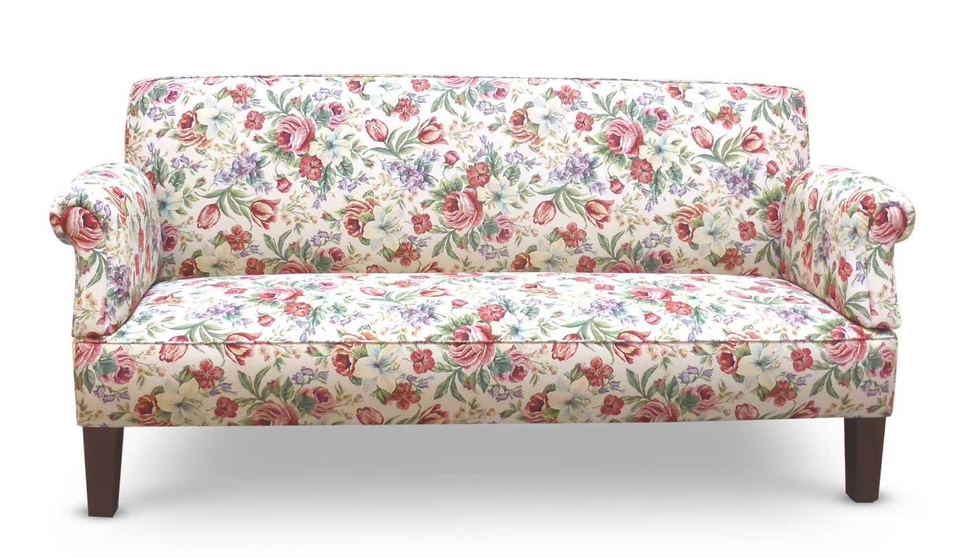 Klassisches Tischsofa mit floralem Stoff