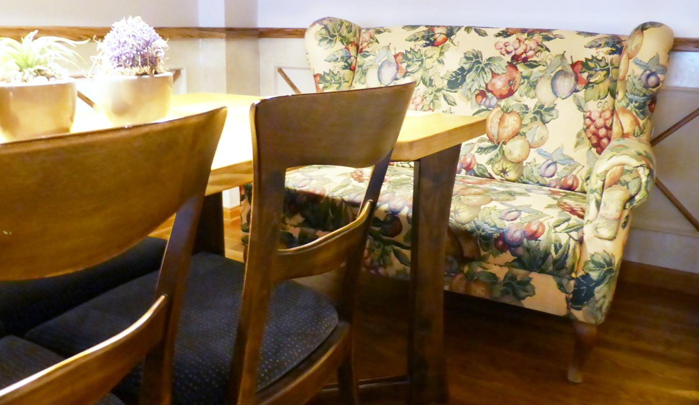 Esstischsofa, Blumenstoff, Polsterstoff, Sofa, Sitzgelegenheit,